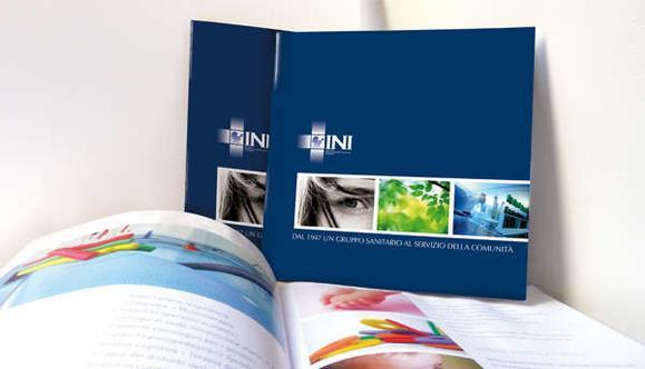 Ideazione e progettazione grafica dela brochure istituzionale