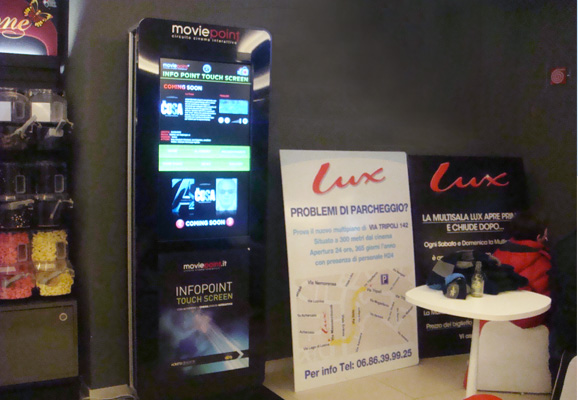 Circuito Moviepoint - Totem Multimediale nel Cinema Lux